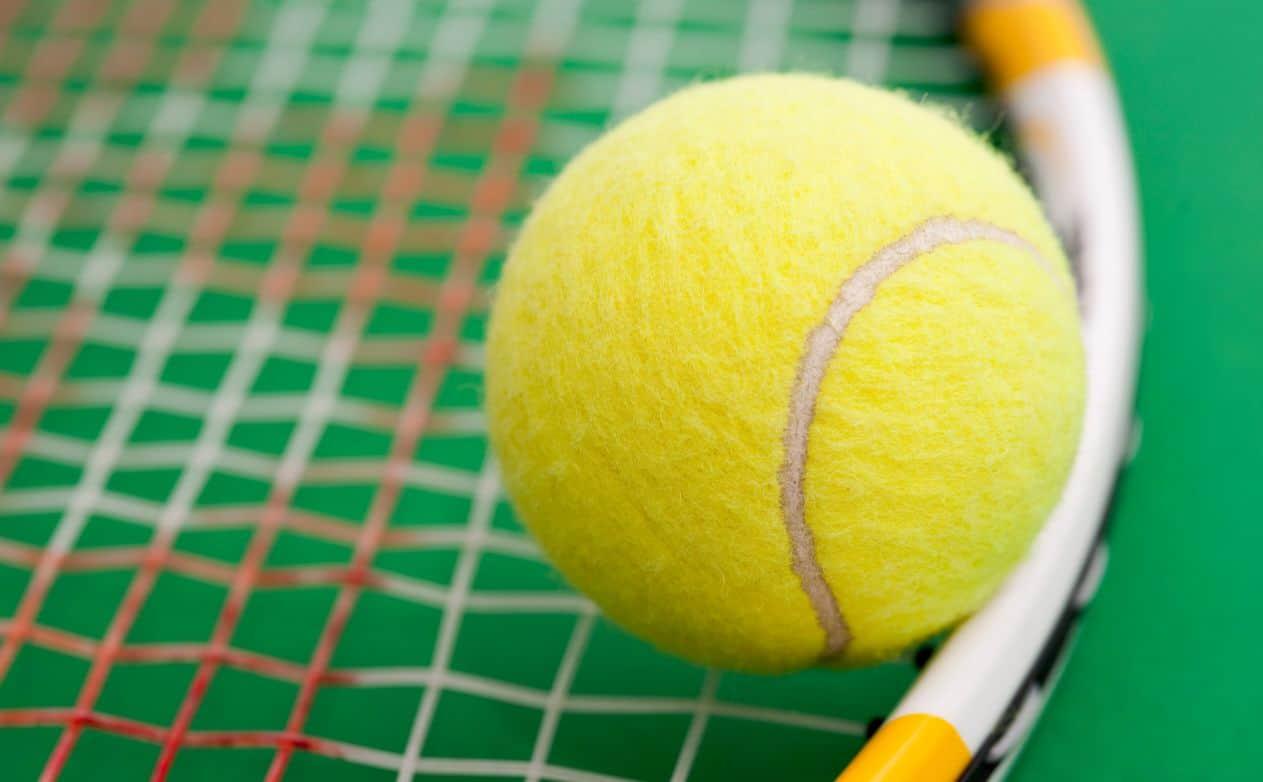 كرات التنس