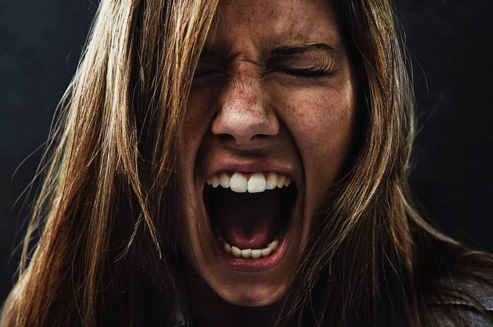 هل تتكرر أعراض العصبية الشديدة؟