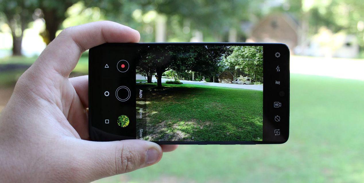 استخدام تطبيقات التصوير مختلفة عن البرنامج الافتراضي