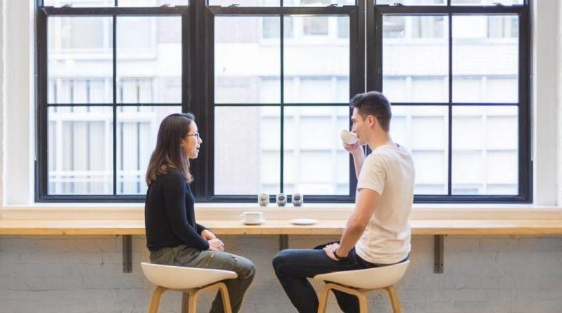 إن كنت تسعى لتعزيز مهارات التواصل مع الأخرين اقرأ هذا المقال