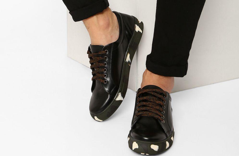 تلميع الحذاء الأسود والتعامل مع الخدوش