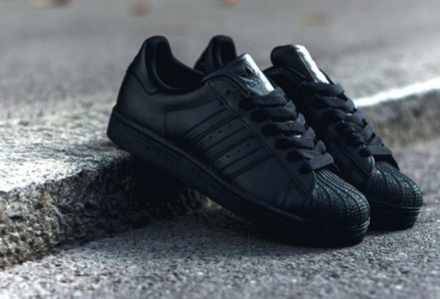طريقة تنظيف الحذاء الأسود ..