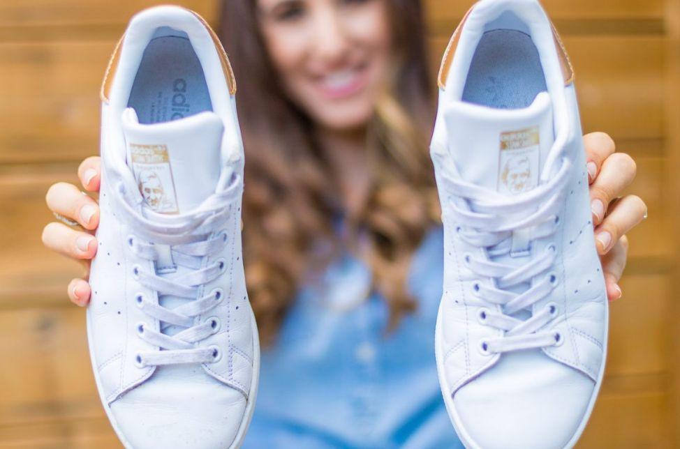 طريقة تنظيف الحذاء الرياضي ..