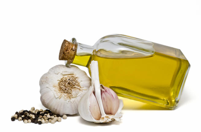 فوائد الثوم مع زيت الزيتون