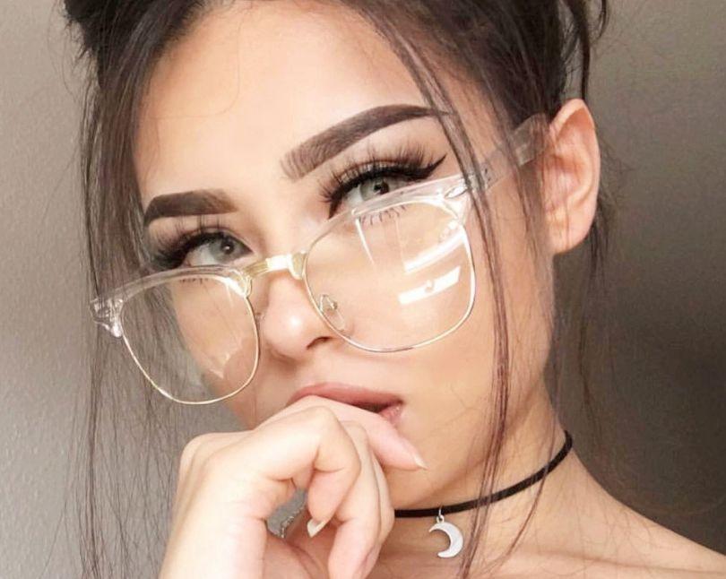 67dd5c61b طريقة اختيار اشكال نظارات حسب شكل الوجه وحجمه وبما يناسب ملامحك – مجلتك