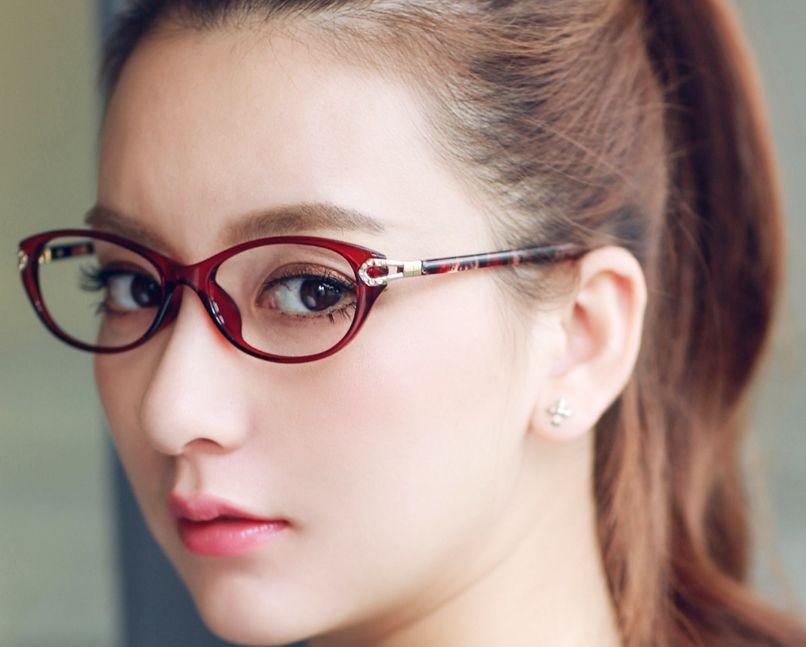 8e5af0451 طريقة اختيار اشكال نظارات حسب شكل الوجه وحجمه وبما يناسب ملامحك – مجلتك