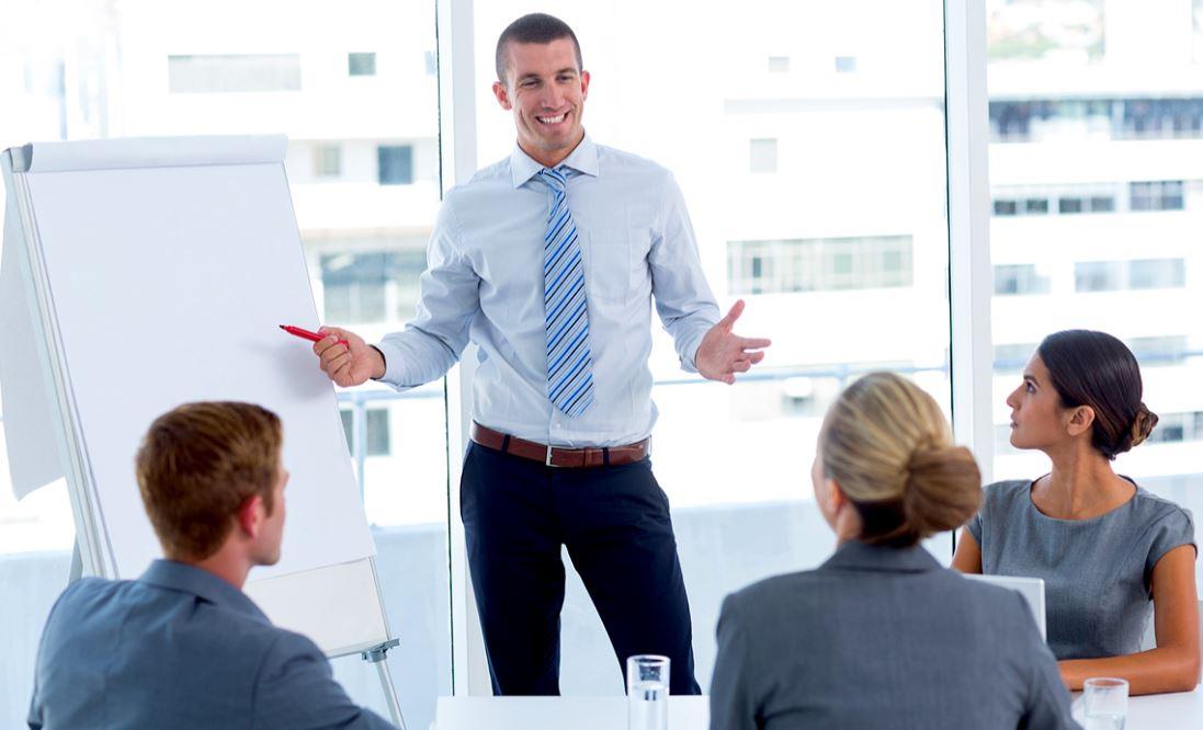 كيف تتحدث عن نقاط القوة والضعف في المقابلة الشخصية لديك؟