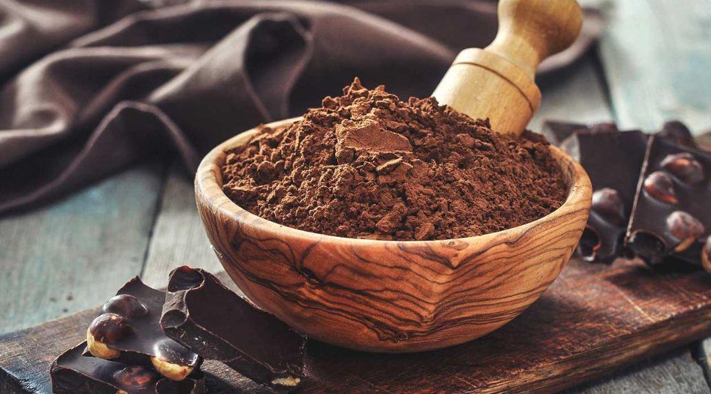 الكافيين – التخلص من علامات التعب والانتفاخ والهالات فوائد الكاكاو للبشرة