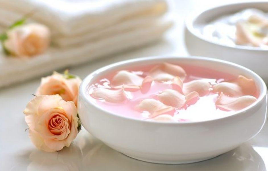 ماء الورد مع الفازلين