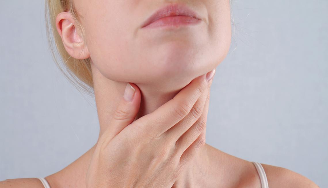 أعراض سرطان الغدة الدرقية التي يجب التعرف عليها مجلتك