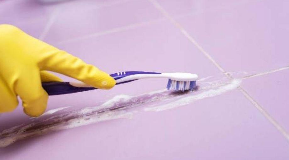 تنظيف الزوايا والحواف الضيقة