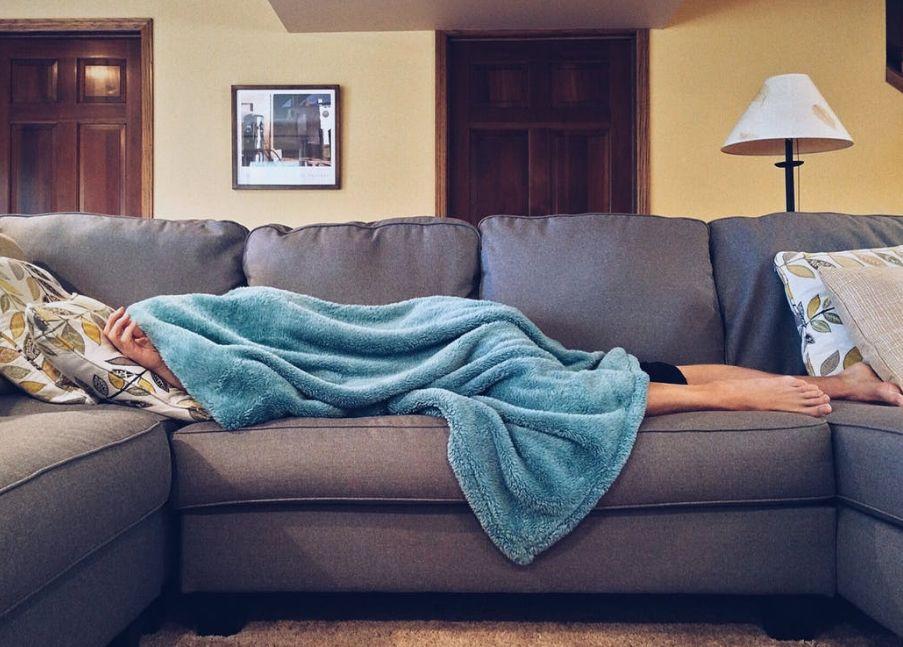 أعراض النوم الثقيل