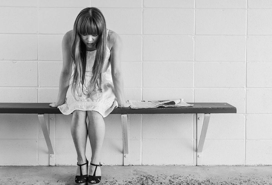 علامات نفسية على عدم الثقة بالنفس