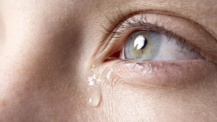 علاج دموع العين المستمر