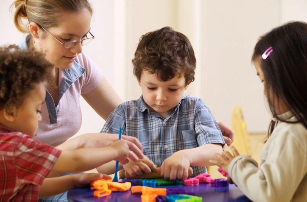 كيف أرفع ابني إلى الثقة بالنفس بعيب خلقي؟