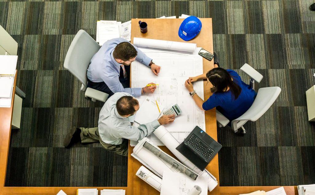 ما هي مهام إدارة المشاريع ومسؤولياتها؟ هنا كل ما تحتاجه عنها