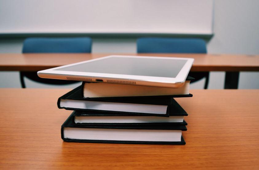 10 مواقع تعليمية مجانية عربية وأجنبية وبشهادات معتمدة