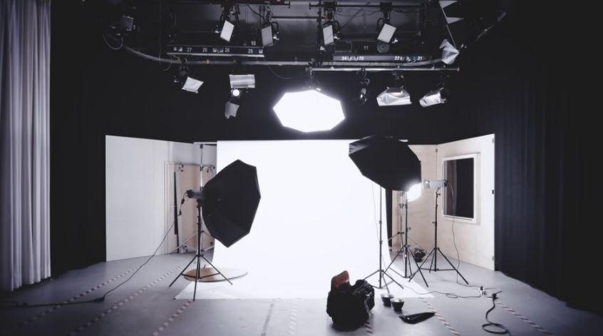 أنواع الإضاءة في التصوير الفوتوغرافي ومتى وأين يستخدم كل نوع؟