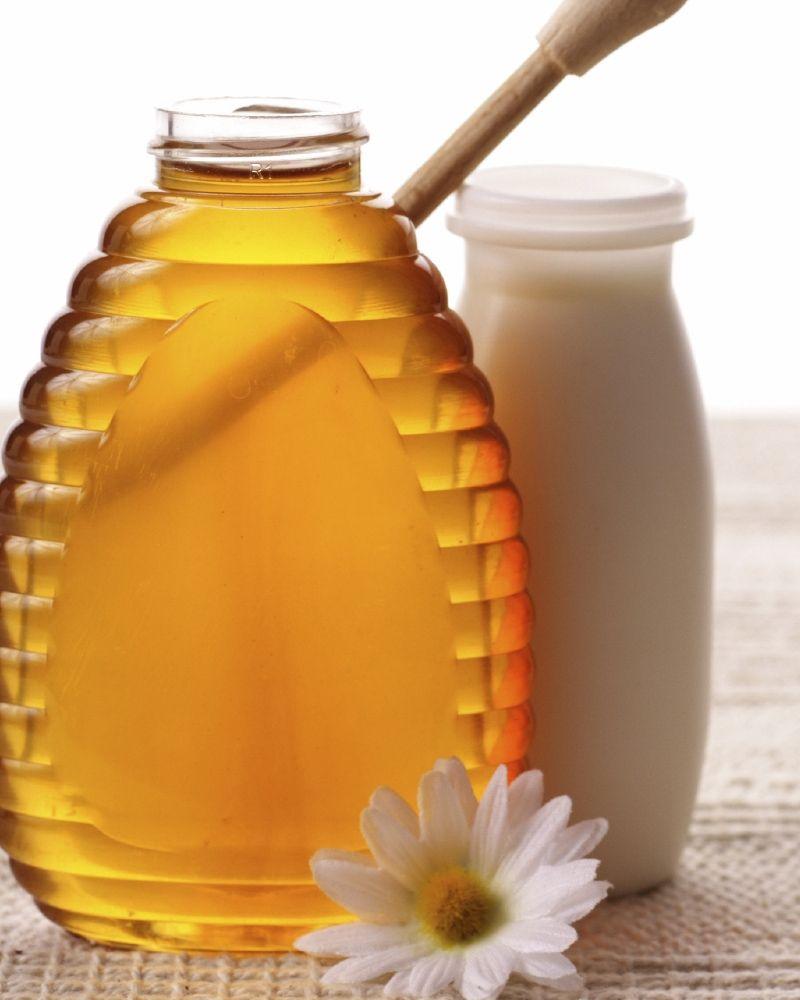 الزبادي والعسل للوجه