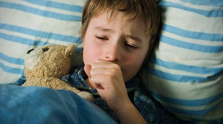 طرق طبيعية لتهدئة السعال عند الأطفال في الليل