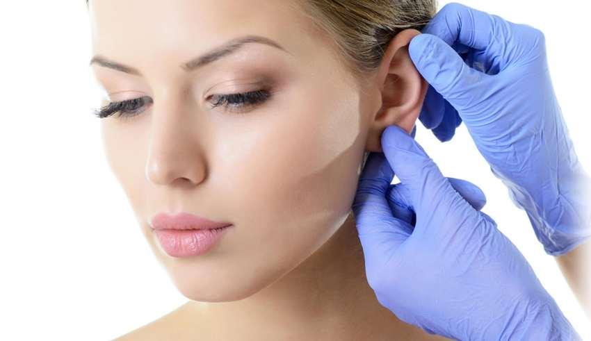 كيف تنظف أذنيك بشكل صحيح