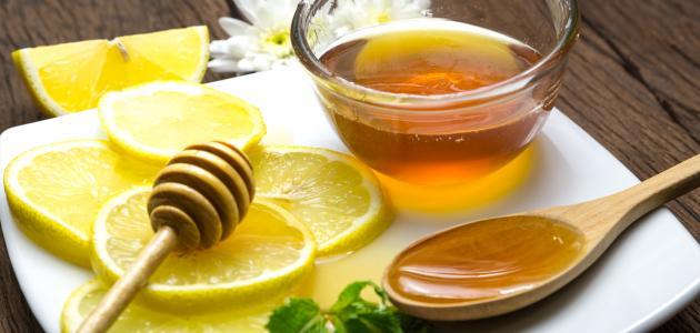 العسل والماء والليمون