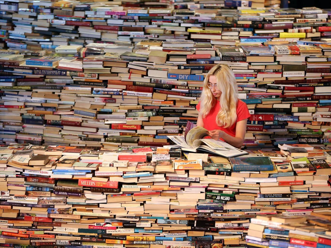 القراءة ضرورة وليست هواية
