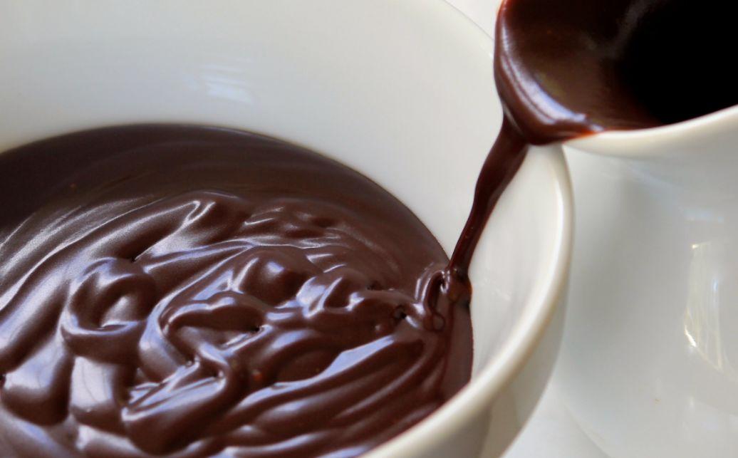 طريقة عمل صوص الشوكولا بالكاكاو البودرة مع النشاء