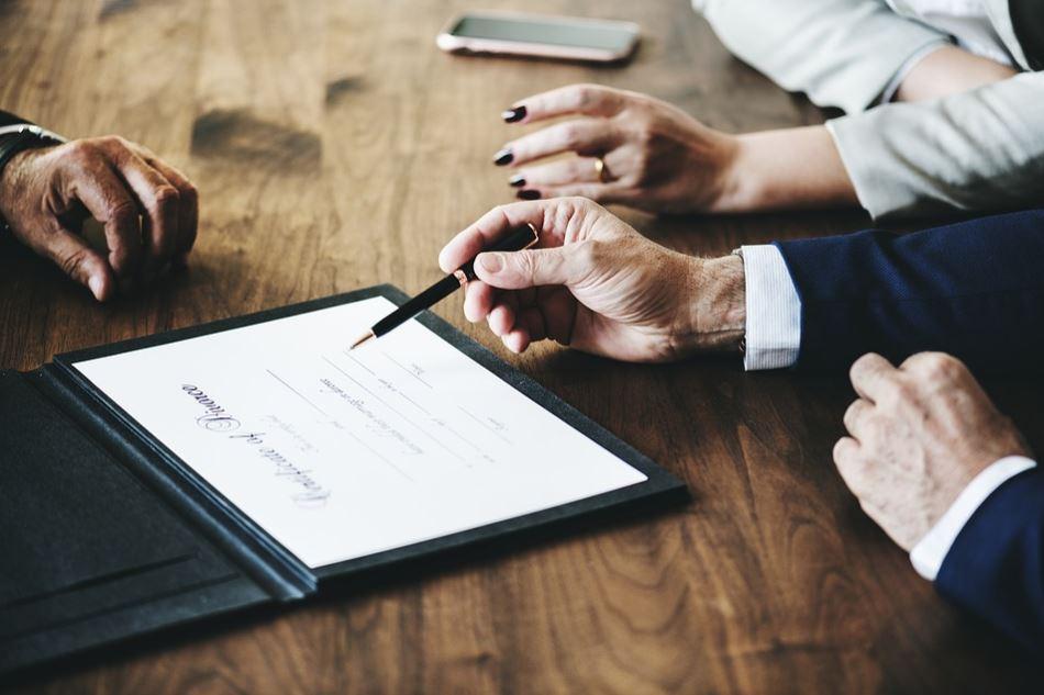ماذا تعني شهادة الاستثمار؟  ما هي مميزاته؟