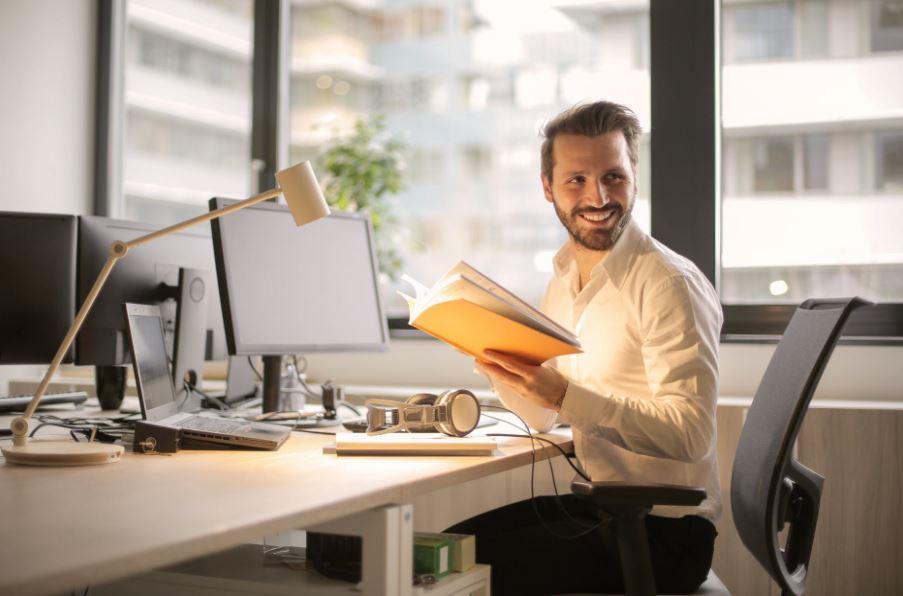 هنا قائمة أفكار مشاريع تجارية صغيرة يمكنك اختيار ما يناسبك منها لبدء العمل على مشروعك