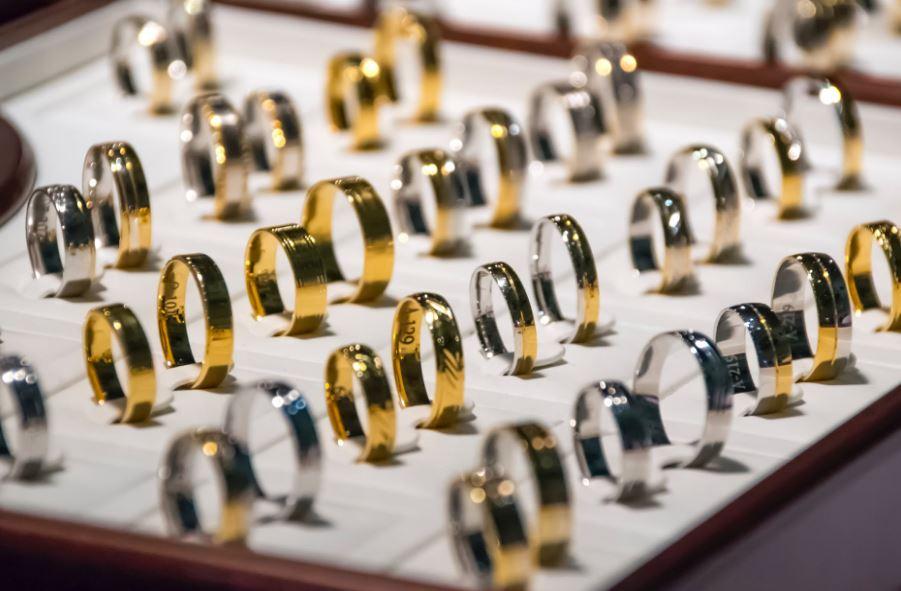 كيفية تعلم تصميم المجوهرات للمبتدئين بالدراسة أو دونها؟
