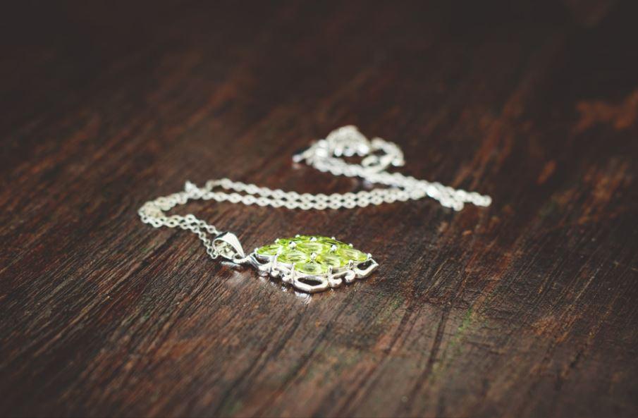 كيف تصبح مصمم مجوهرات؟