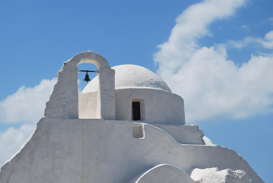 كنيسة بارابورتياني هي واحدة من أقدم الكنيسة في جزيرة ميكوس وواحدة من أشهرها