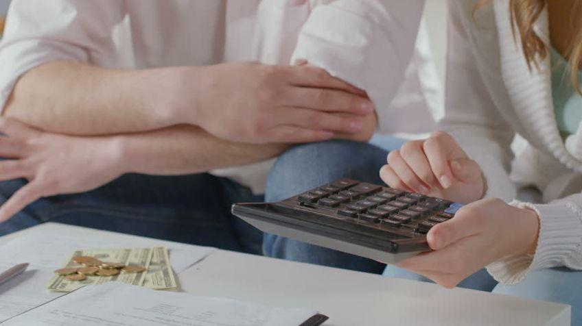 تحديد ميزانية شهرية لنفقاتك