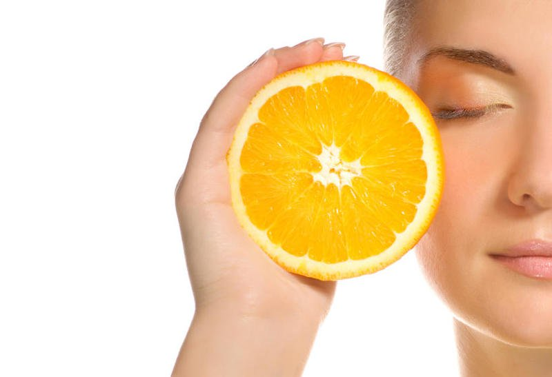 فوائد الليمون للبشرة الدهنية وطرق استخدامه