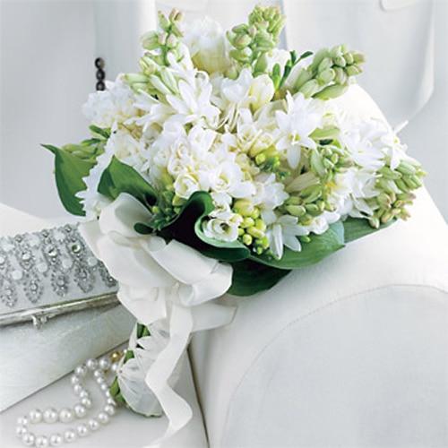 باقة زهور التوليب المحلية