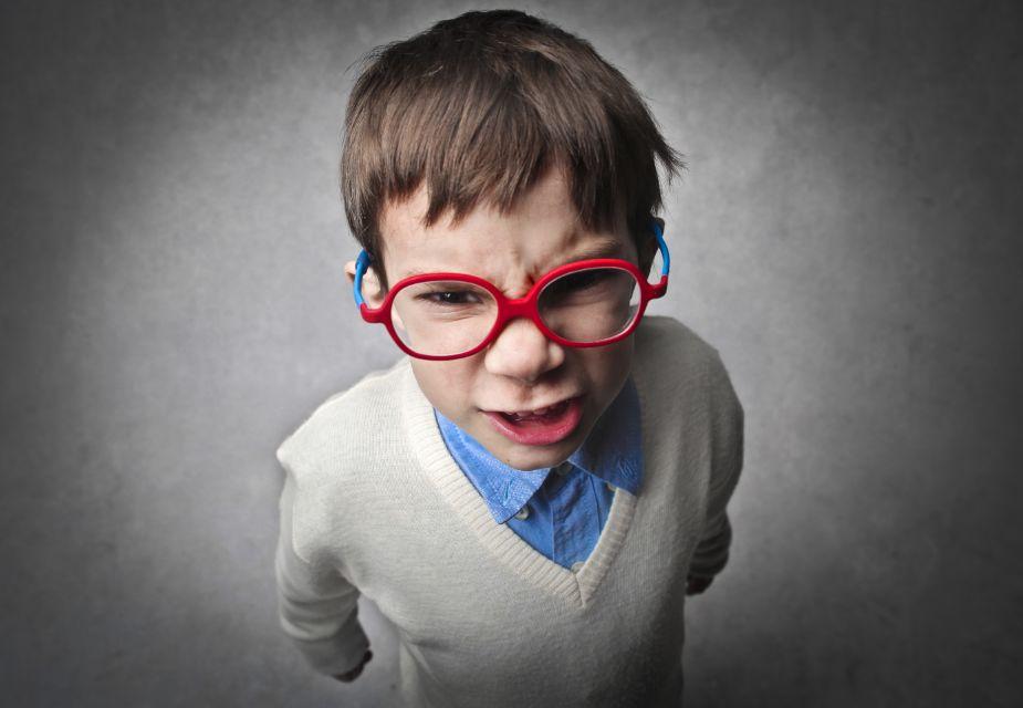 كيفية التعامل مع الطفل العصبي بطريقة صحيحة من خلال 14 قاعدة