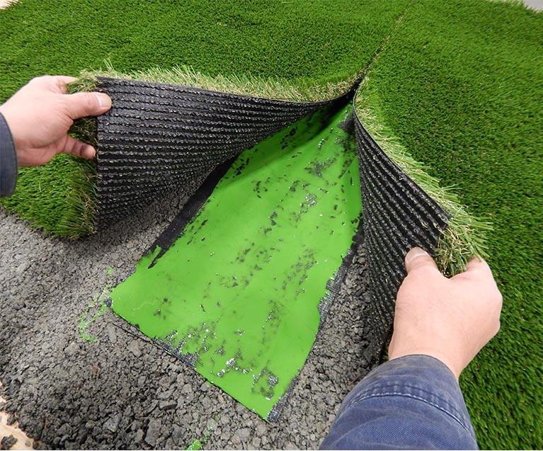العشب الصناعي الاستخدام وأهم الميزات والعيوب مجلتك