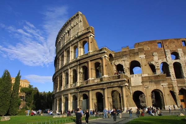 مدرج الكولوسيوم الاثري أفضل الأماكن السياحية