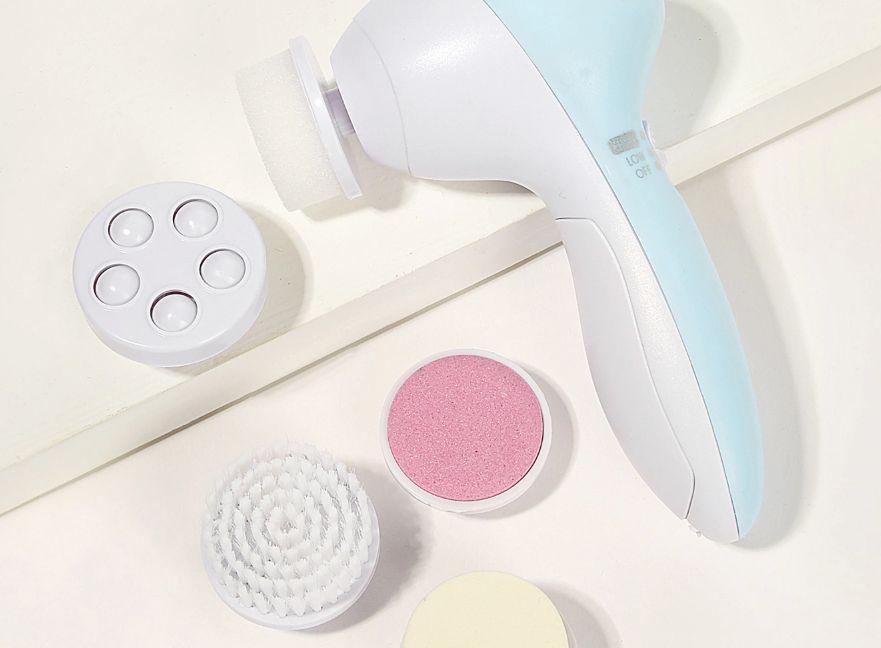 طريقة استخدام فرشاة تنظيف الوجه