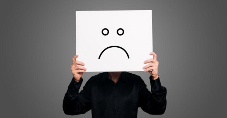 التفكير السلبي عندما تغرق في موجة من الأفكار السلبية الحزينة مجلتك