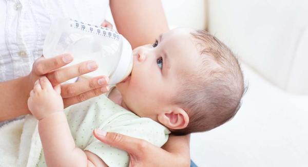 تنظيم الرضاعة الطبيعية مع الصناعية