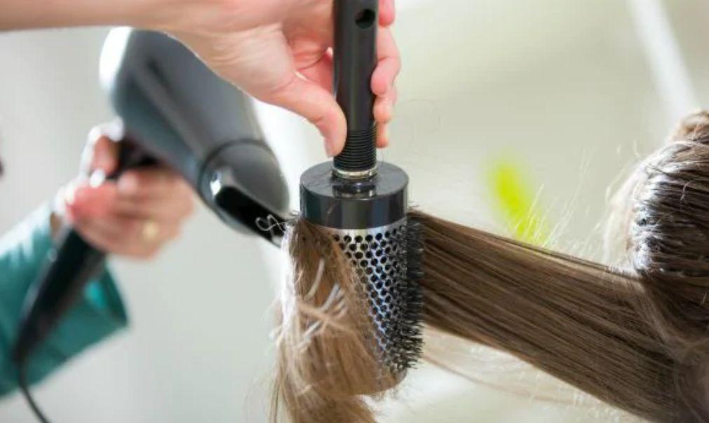 درجة الحرارة يجب أن تتماشى مع درجة عناد الشعر طرق العناية بالشعر