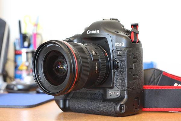 ما هي الكاميرا الرقمية (digital camera)