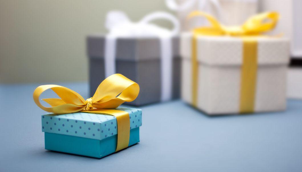 هل تبحث عن هدايا عيد الأم ؟ ما رأيك بـ 100 هدية للأم ستعجب والدتك بالتأكيد؟
