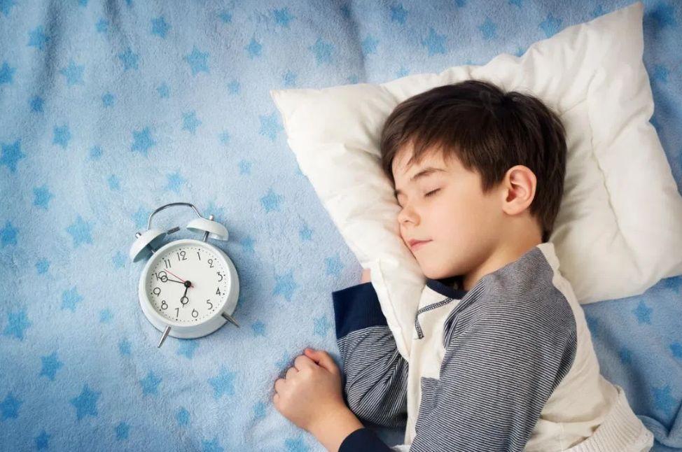 النوم عند الأطفال قد يكون الأكثر أهمية..
