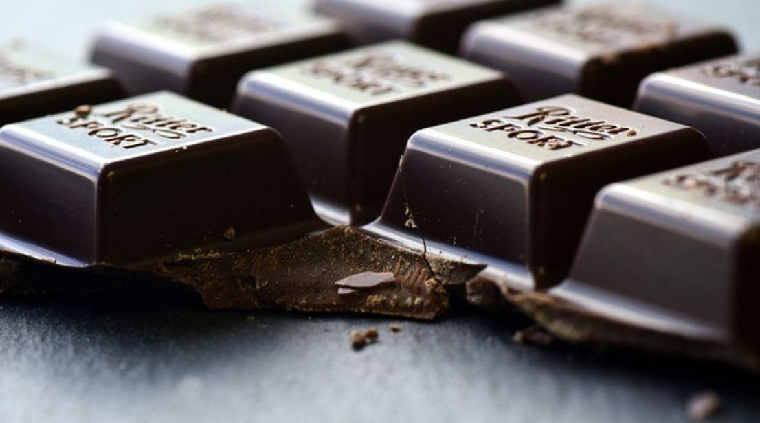 الشوكولا السوداء من بين أفضل مصادر مضادات الأكسدة على الشوكولاتة السوداء للرجيم وجه الأرض
