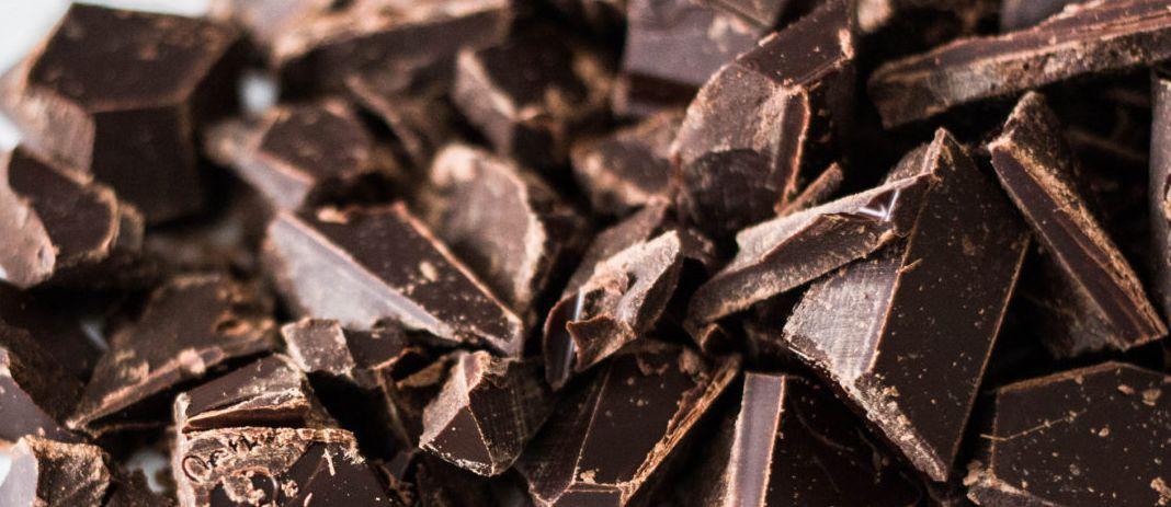 تناول الشوكولاتة السوداء للرجيم وحديدًا في يوم الـ FREE سوف يتعامل مع مستويات الأنسولين