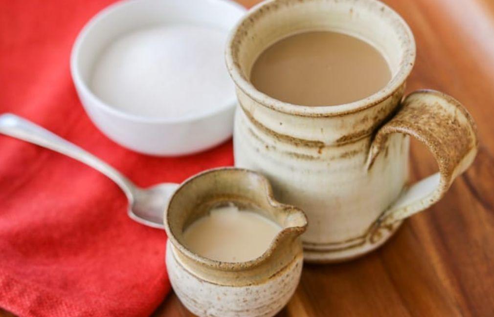 قد يكون مبيض القهوة خالي من الحليب ولكنها تملك تأثيره