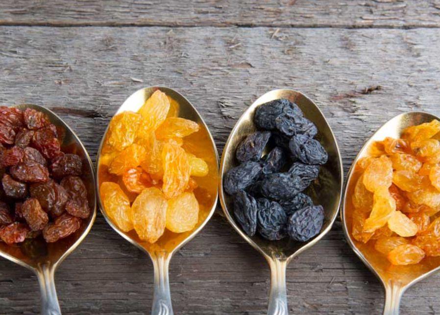 كيف نحافظ على صحة الجهاز الهضمي بالحليب والفاكهة المجففة؟